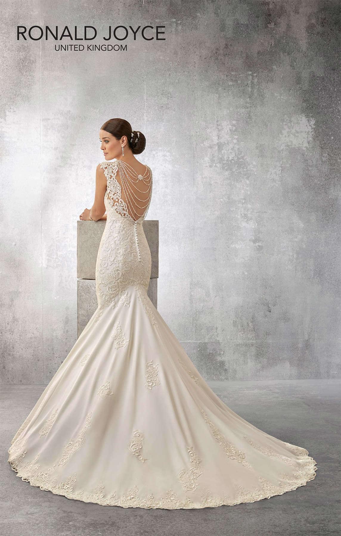 Свадебное платье Ronald Joyce 69164
